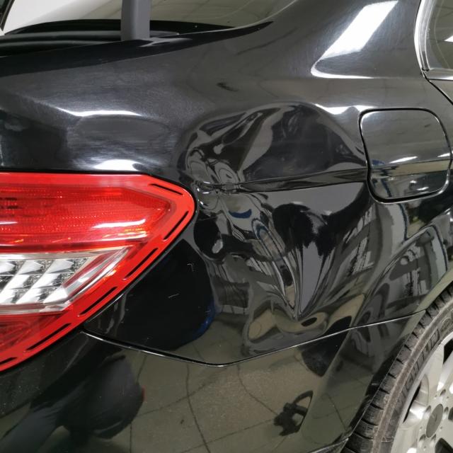 Автомобиль Mercedes-Benz C Class
