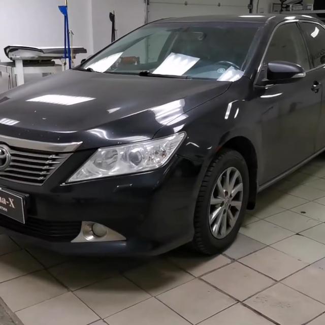 Ремонт вмятин без покраски в Москве на автомобиле Toyota Camry