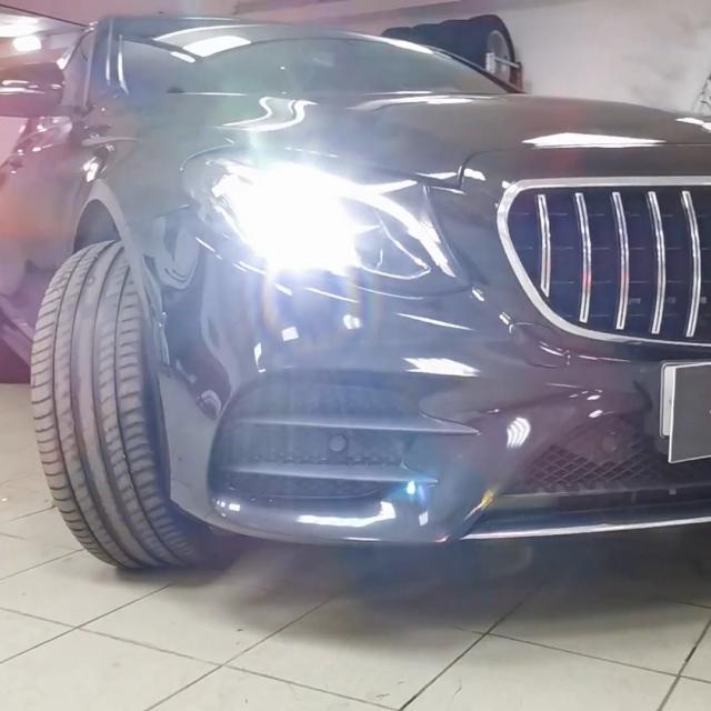 Удаление вмятин без покраски на автомобиле Mercedes-Benz E-class