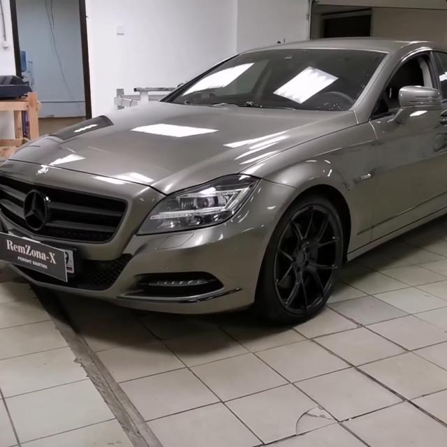 Ремонт вмятин без покраски на автомобиле Mercedes-Benz CLS